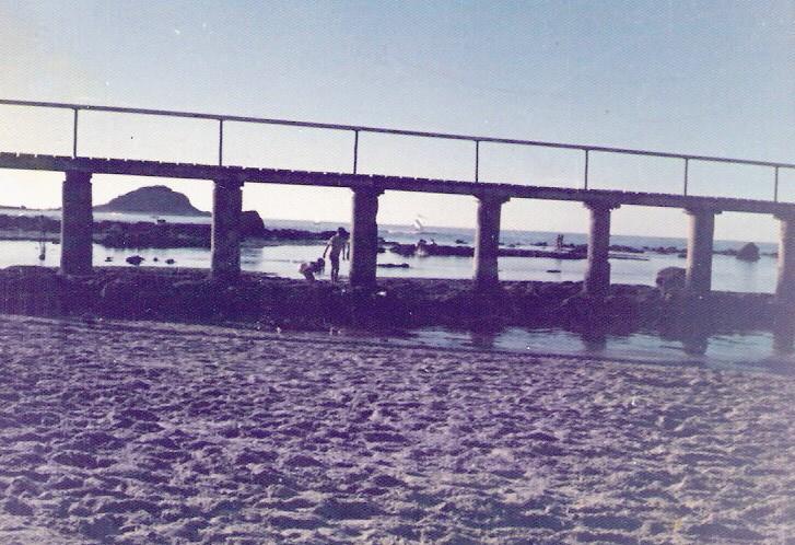 Enterreno - Fotos históricas de chile - fotos antiguas de Chile - Playa Los Tubos de Algarrobo,  1976