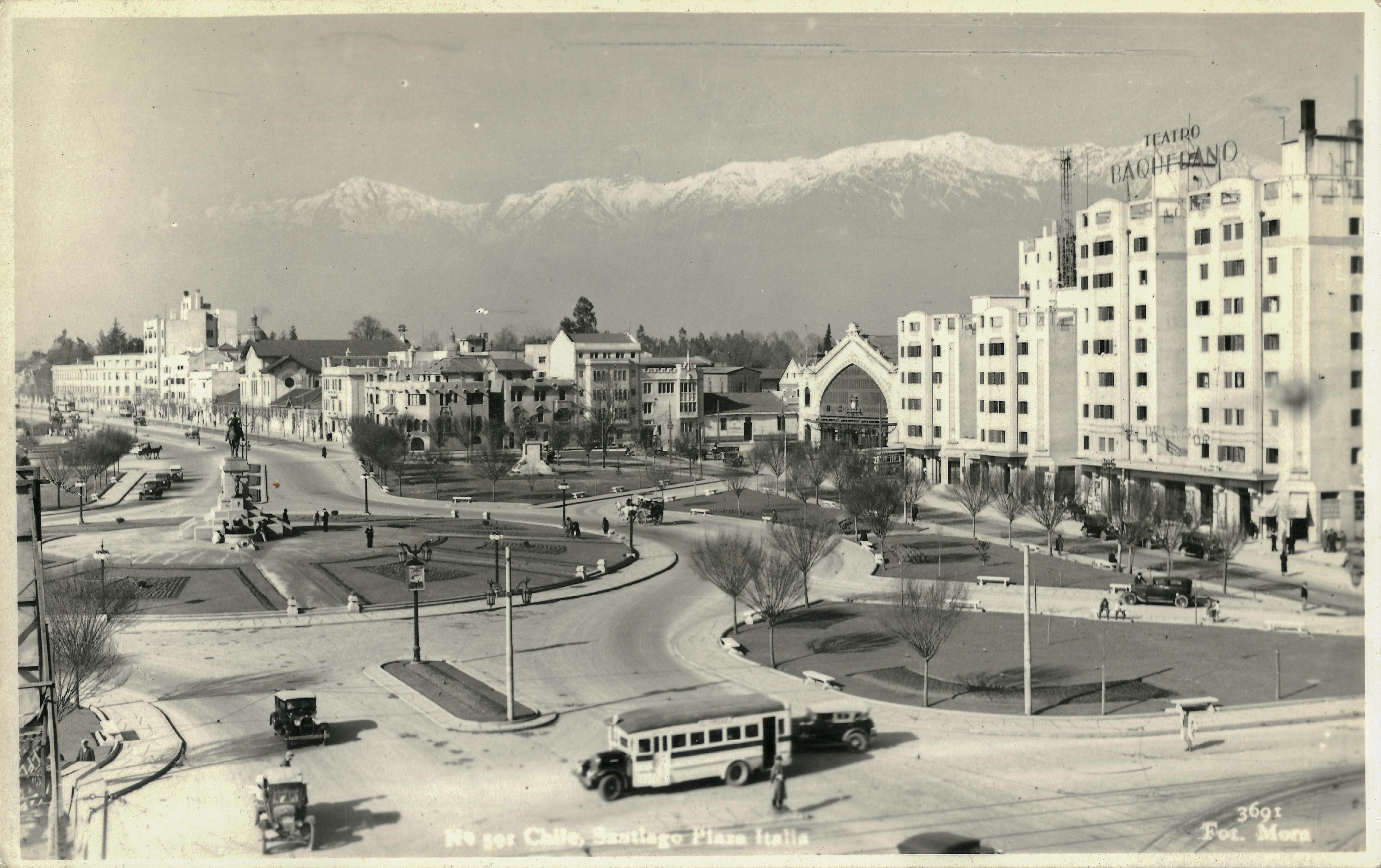 Enterreno - Fotos históricas de chile - fotos antiguas de Chile - Plaza Italia en 1939