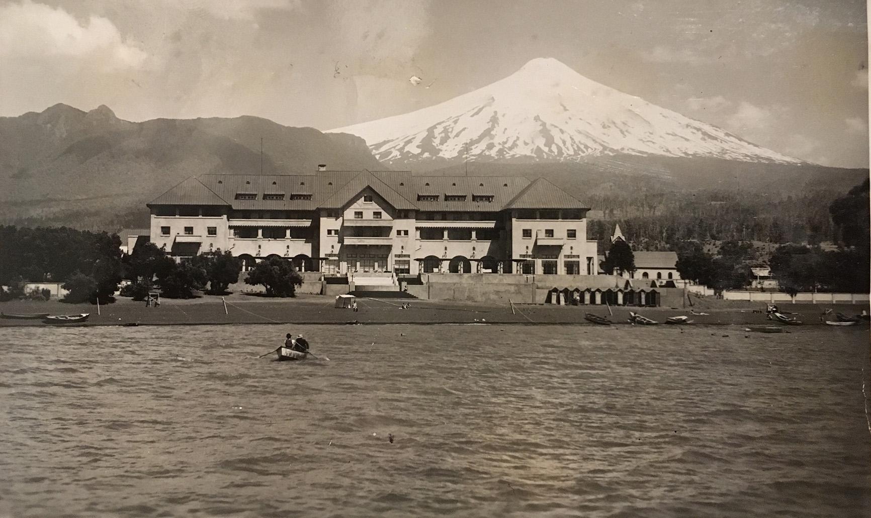 Enterreno - Fotos históricas de chile - fotos antiguas de Chile - Gran Hotel de Pucón en 1938