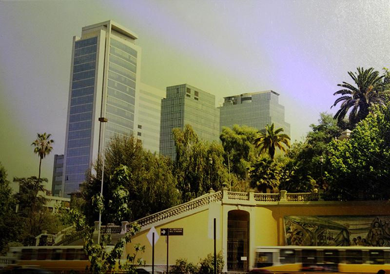 Enterreno - Fotos históricas de chile - fotos antiguas de Chile - Acceso del Cerro Santa Lucía en 1994
