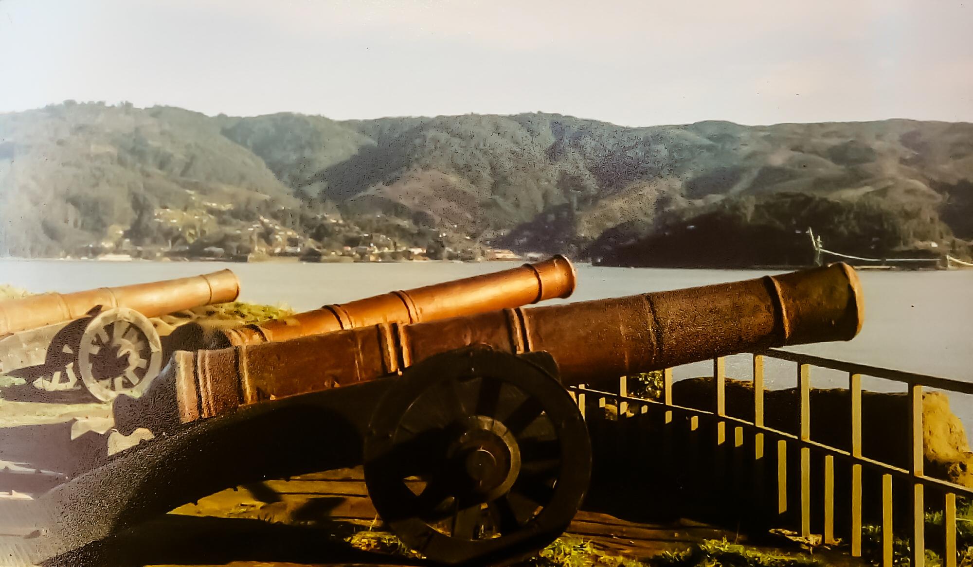 Enterreno - Fotos históricas de chile - fotos antiguas de Chile - Fuerte de Niebla en 1992