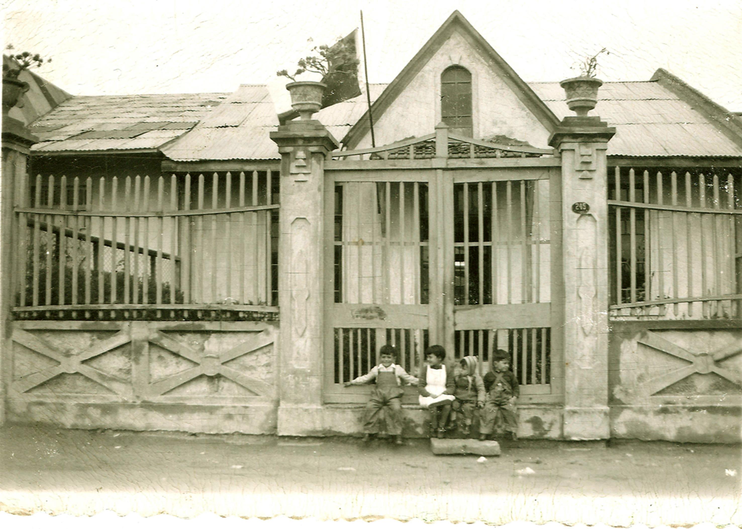 Enterreno - Fotos históricas de chile - fotos antiguas de Chile - Casa Avenida Videla Coquimbo, 1953