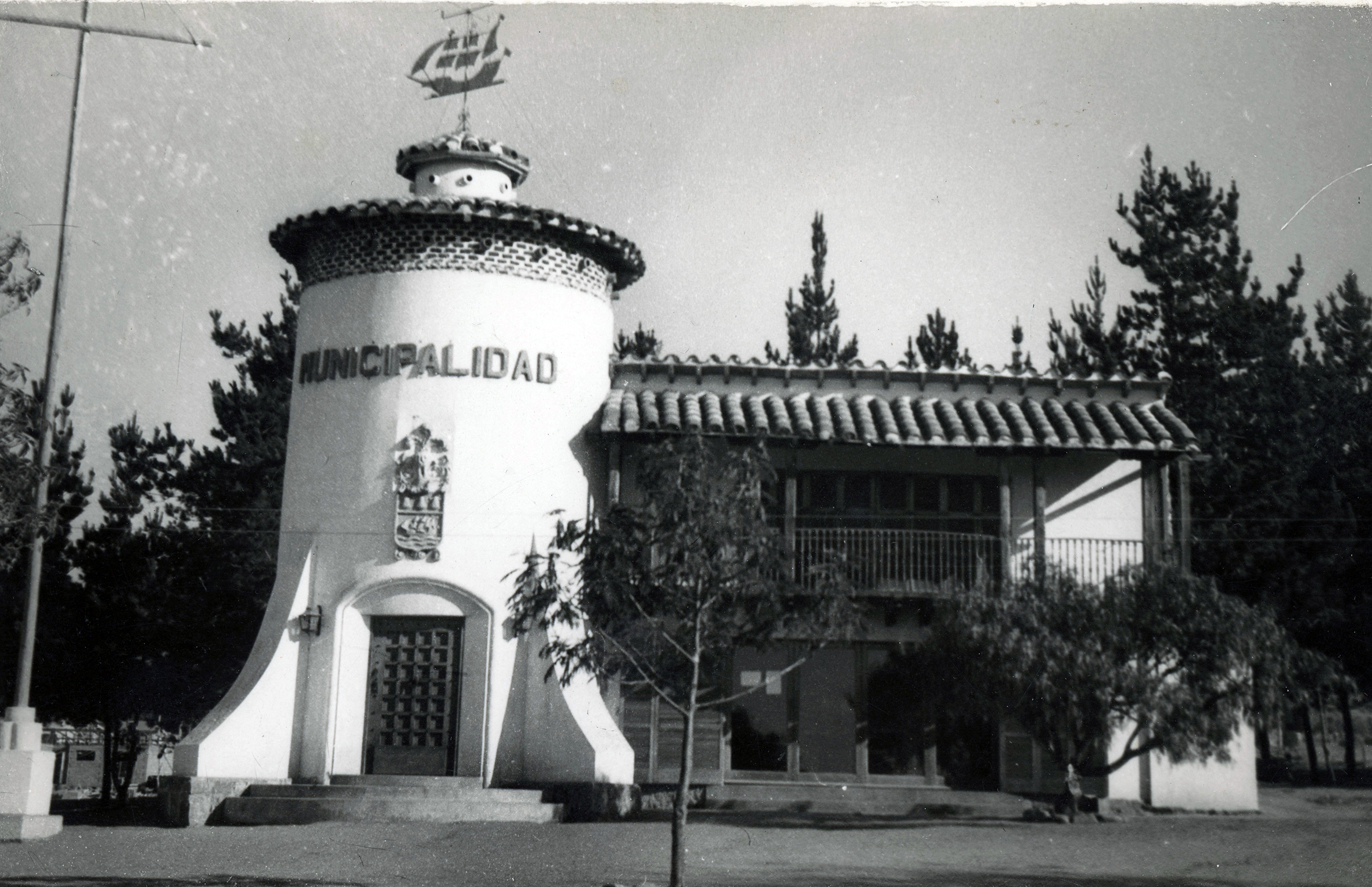 Enterreno - Fotos históricas de chile - fotos antiguas de Chile - Municipalidad de Papudo en 1950