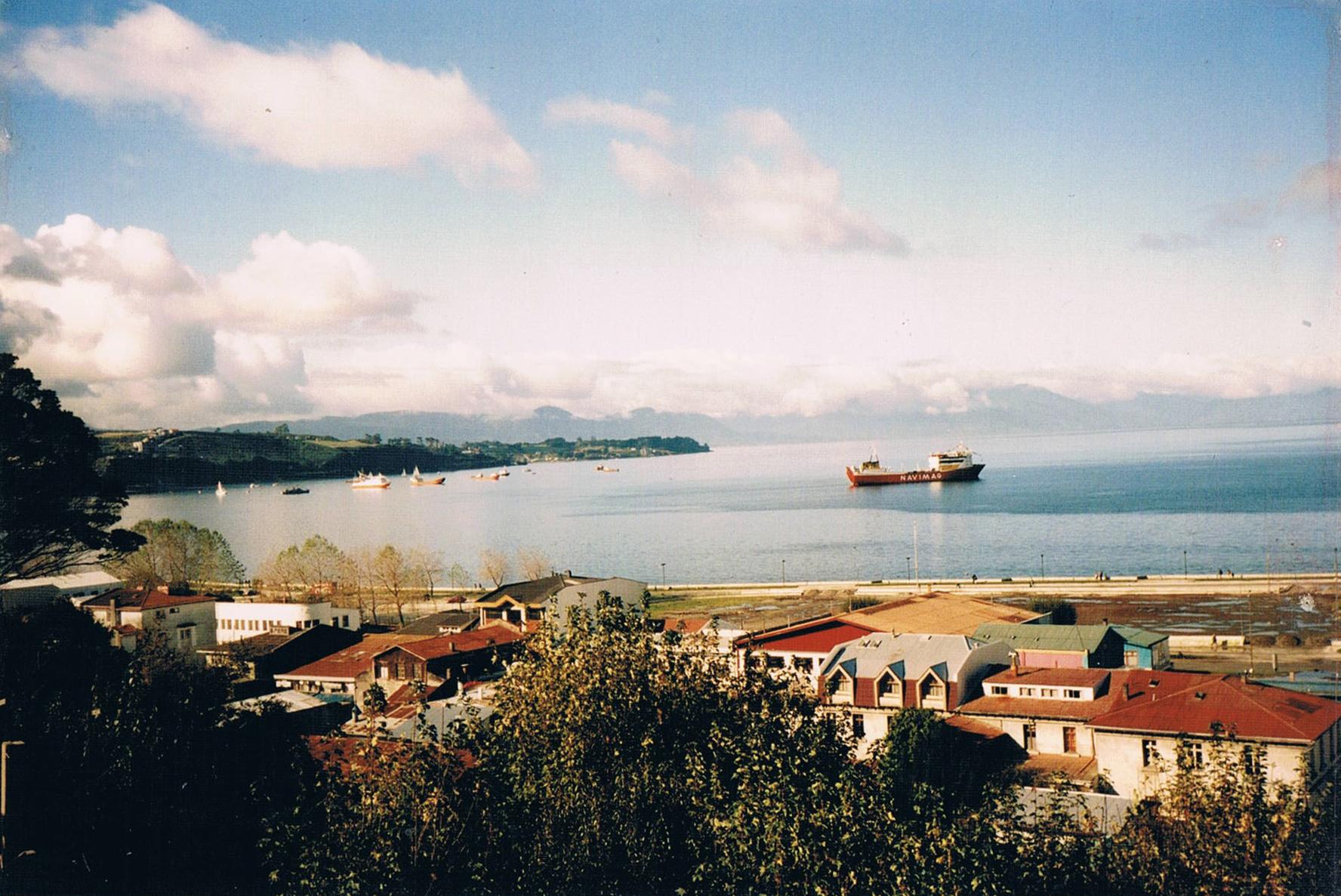 Enterreno - Fotos históricas de chile - fotos antiguas de Chile - Costanera de Puerto Montt en 1997