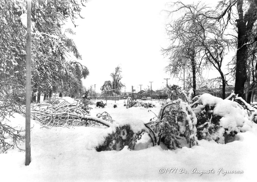 Enterreno - Fotos históricas de chile - fotos antiguas de Chile - Nevazón en Rancagua, 21 de junio de 1971