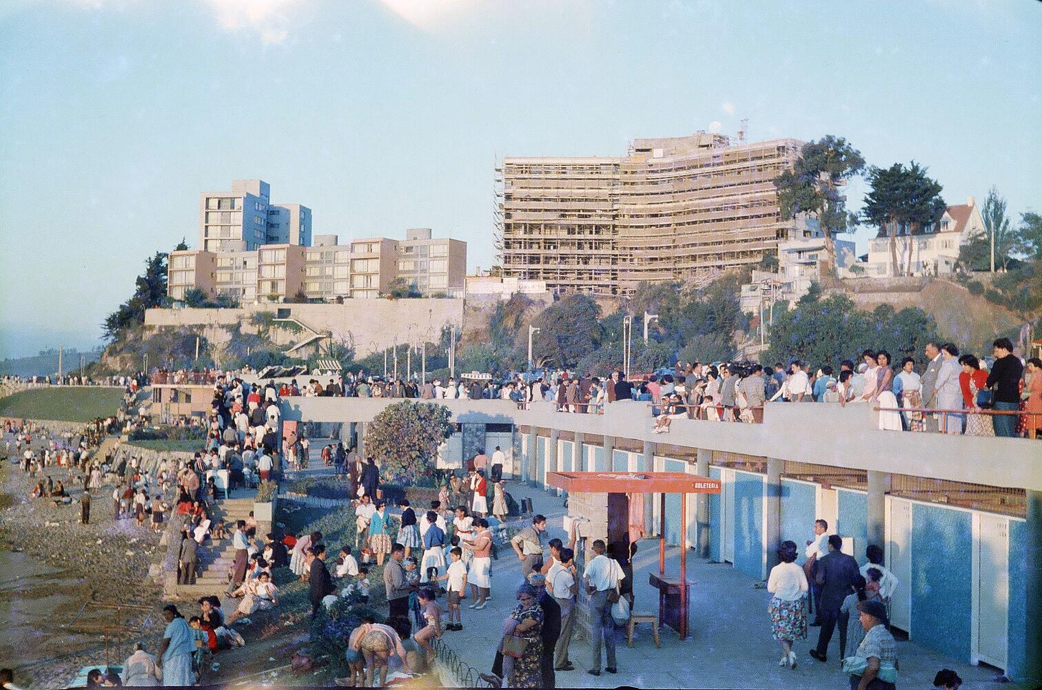 Enterreno - Fotos históricas de chile - fotos antiguas de Chile - Caleta Abarca en 1962