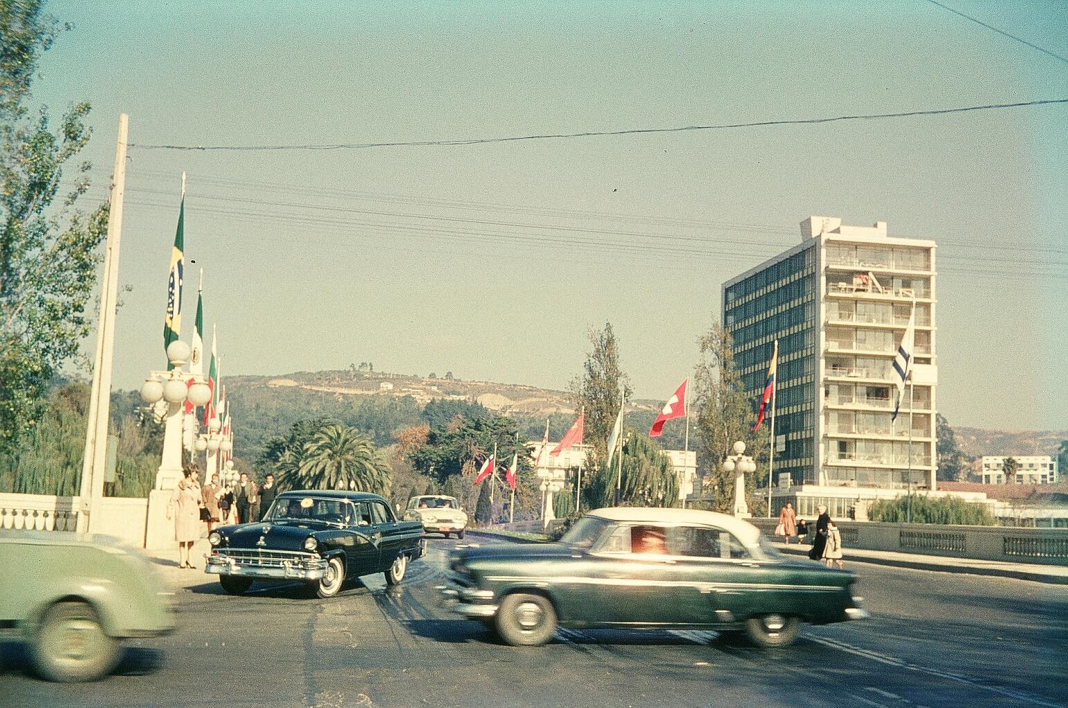 Enterreno - Fotos históricas de chile - fotos antiguas de Chile - Puente Libertad de Viña del Mar, 1962