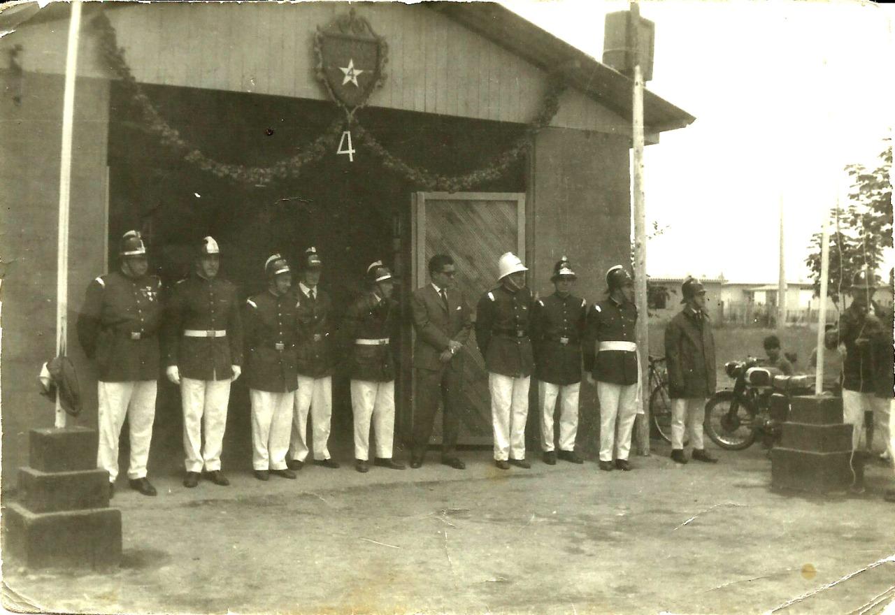 Enterreno - Fotos históricas de chile - fotos antiguas de Chile - 4ta cia. de Bpmberos de La Granja, 1963
