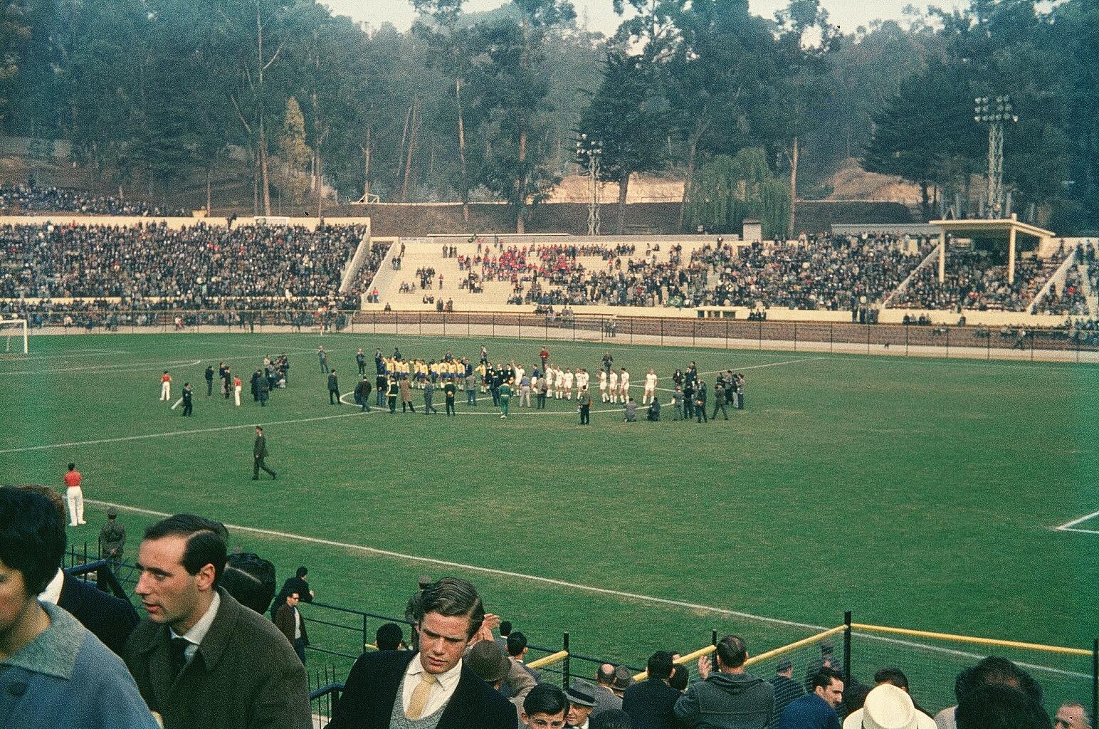 Enterreno - Fotos históricas de chile - fotos antiguas de Chile - Estadio Sausalito, 1962