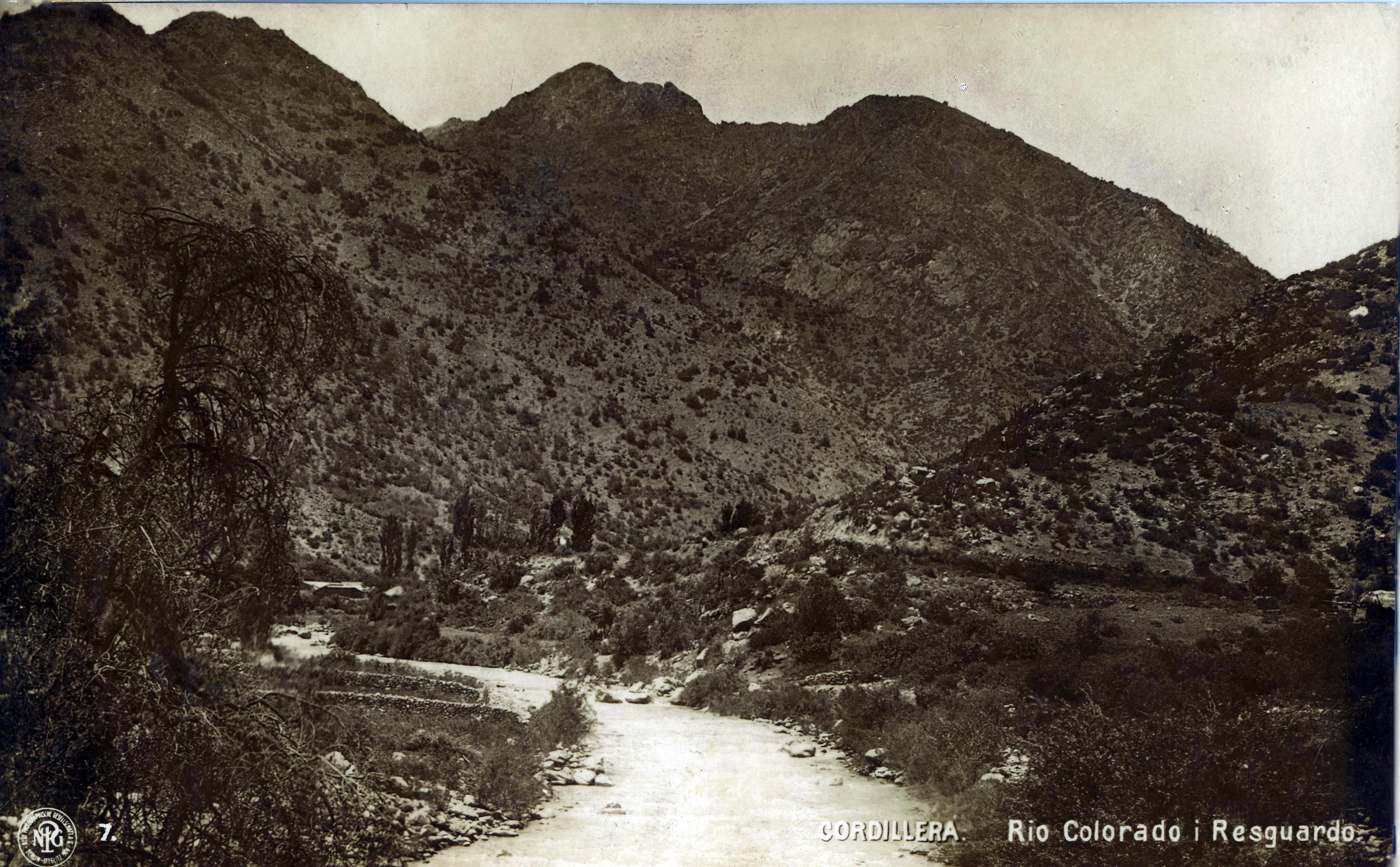 Enterreno - Fotos históricas de chile - fotos antiguas de Chile - Río Colorado en el Cajón del Maipo, 40s