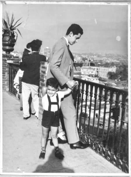 Enterreno - Fotos históricas de chile - fotos antiguas de Chile - Paseo en el Cerro Santa Lucía en 1969