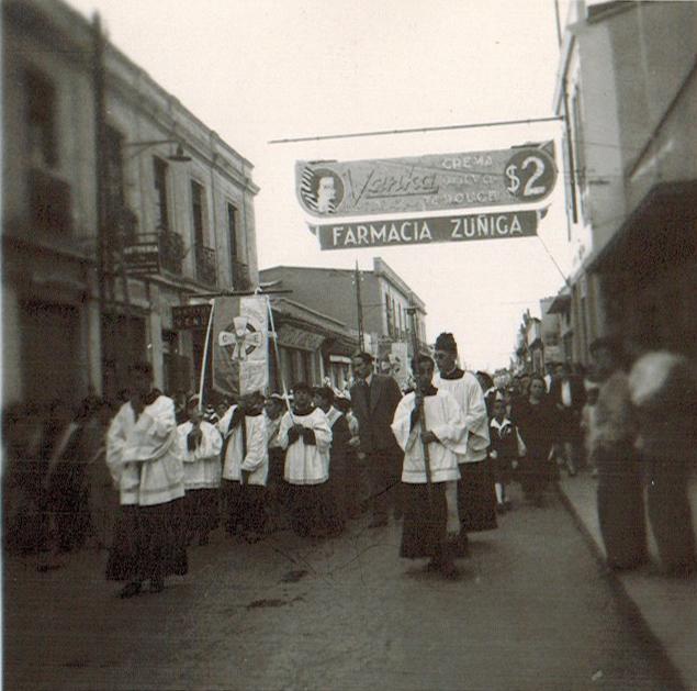 Enterreno - Fotos históricas de chile - fotos antiguas de Chile - Virgen del Carmen en Rancagua, 1945