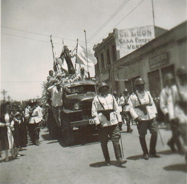 Enterreno - Fotos históricas de chile - fotos antiguas de Chile - Virgen del Carmen en Rancagua en 1945