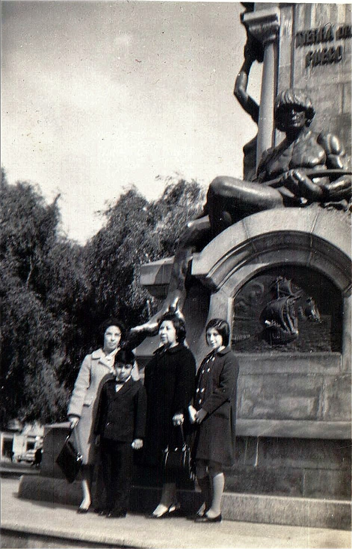 Enterreno - Fotos históricas de chile - fotos antiguas de Chile - Plaza de Punta Arenas, 1966