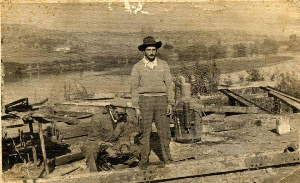 Enterreno - Fotos históricas de chile - fotos antiguas de Chile -  Construcción puente Licantén, años 40s