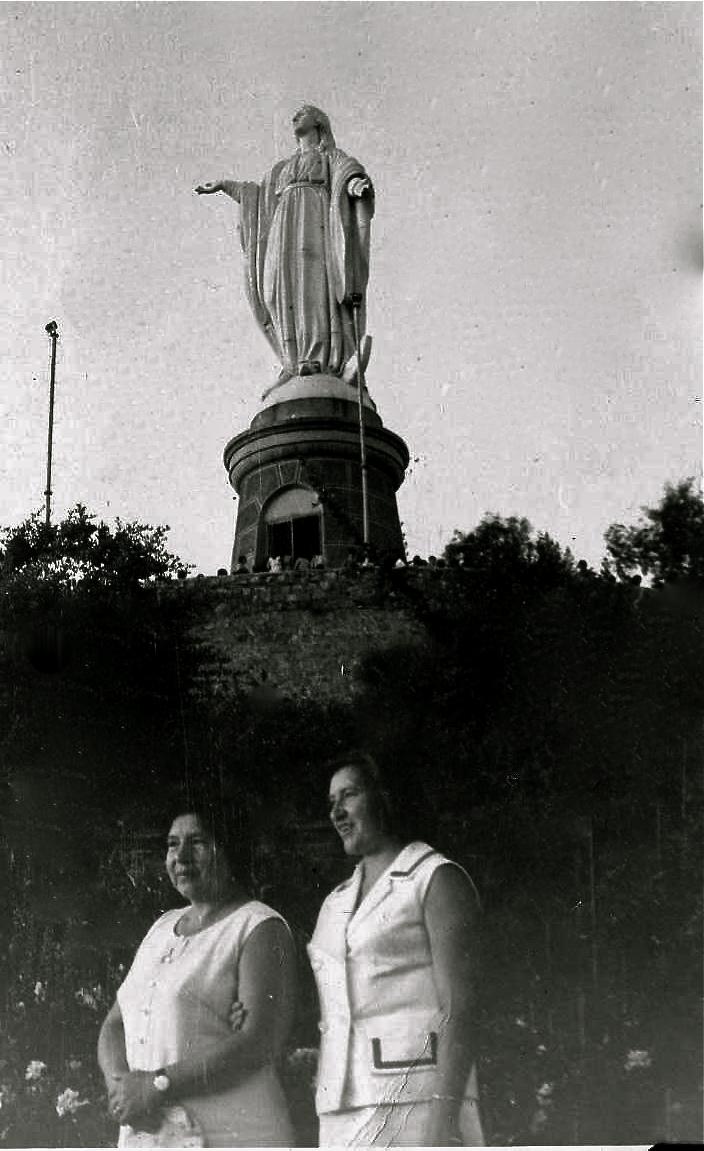 Enterreno - Fotos históricas de chile - fotos antiguas de Chile - Virgen del Cerro San Cristóbal en 1971