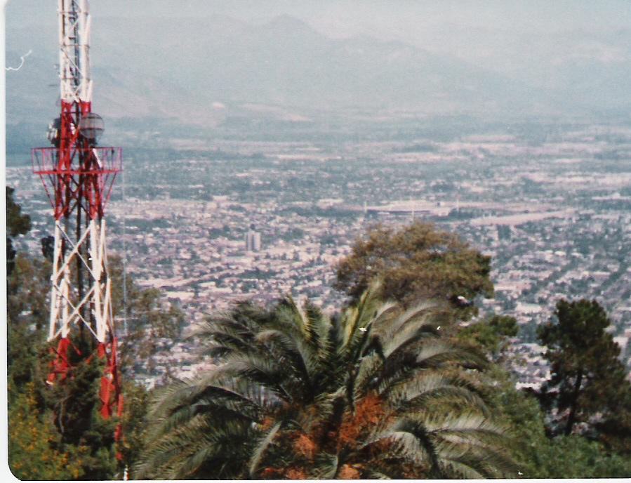 Enterreno - Fotos históricas de chile - fotos antiguas de Chile - Providencia desde l Cerro San Cristóbal en 1981