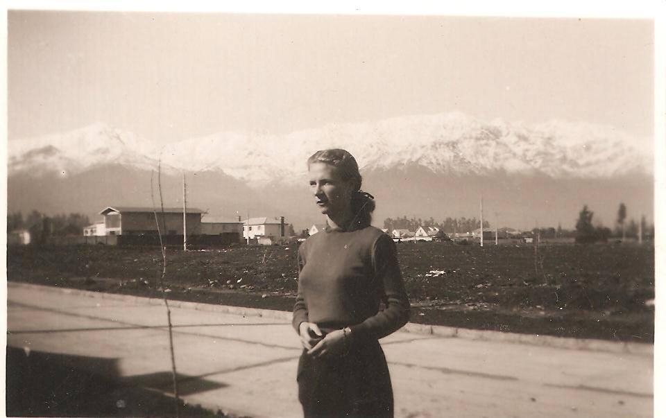 Enterreno - Fotos históricas de chile - fotos antiguas de Chile - Avenida Colón en 1957