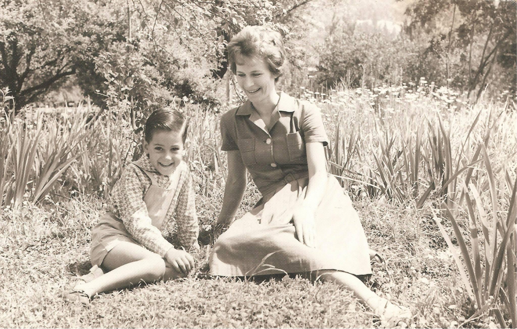 Enterreno - Fotos históricas de chile - fotos antiguas de Chile - Día de parque en Providencia, 1966