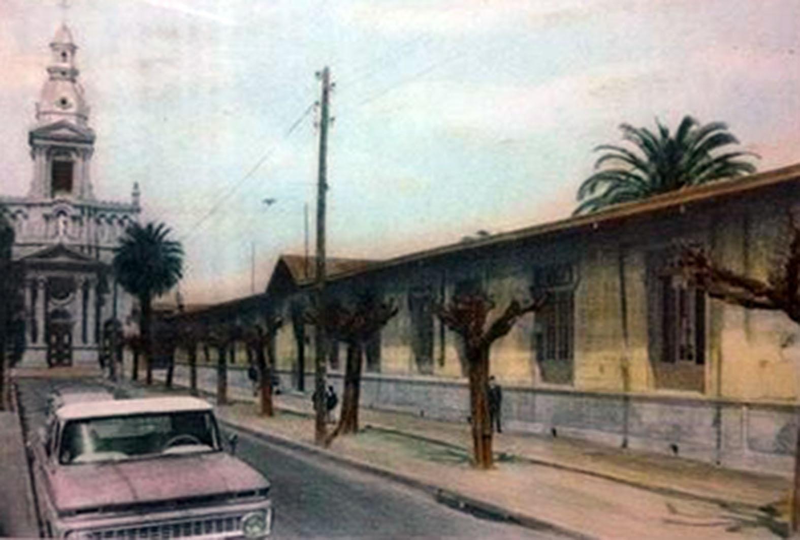 Enterreno - Fotos históricas de chile - fotos antiguas de Chile - Instituto San Martín de Curicó en 1960
