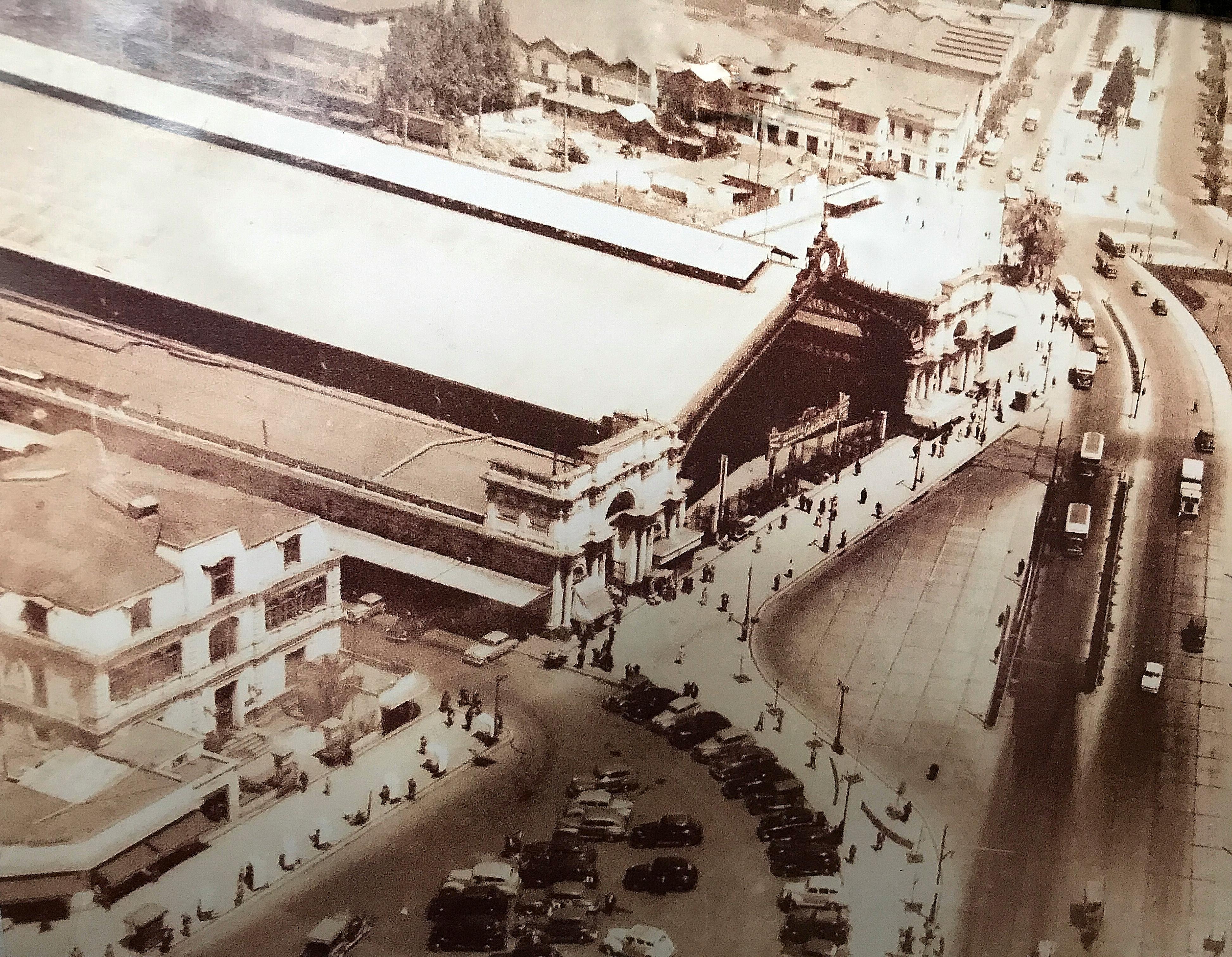 Enterreno - Fotos históricas de chile - fotos antiguas de Chile - Estación Central en 1930