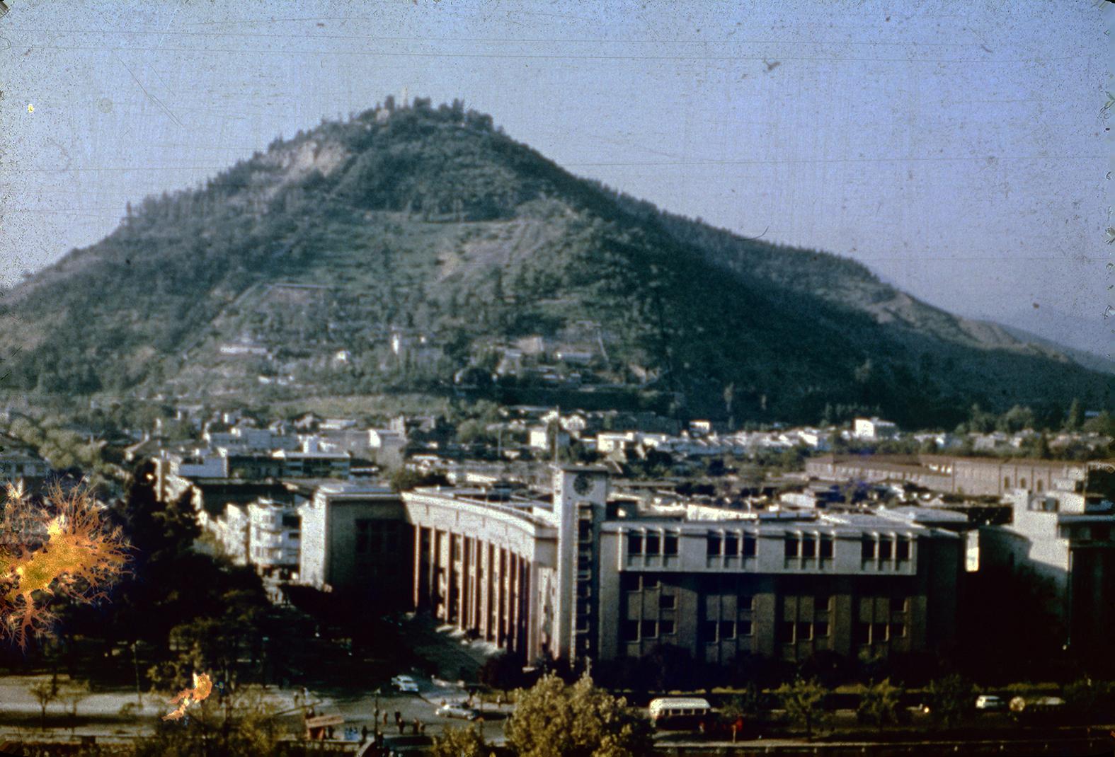 Enterreno - Fotos históricas de chile - fotos antiguas de Chile - Cerro San Cristóbal en los años 60s