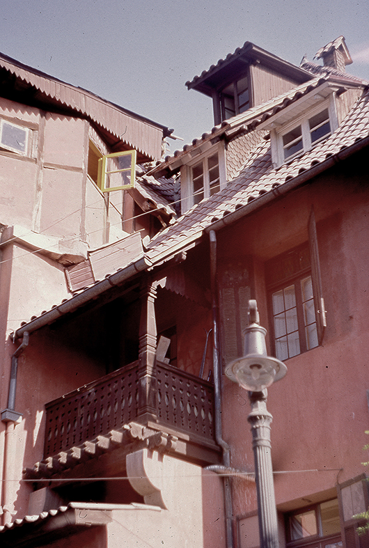 Enterreno - Fotos históricas de chile - fotos antiguas de Chile - Casas del Barrio Bellavista en 1989