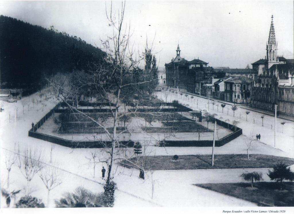Enterreno - Fotos históricas de chile - fotos antiguas de Chile - Parque Ecuador de Concepción en 1920