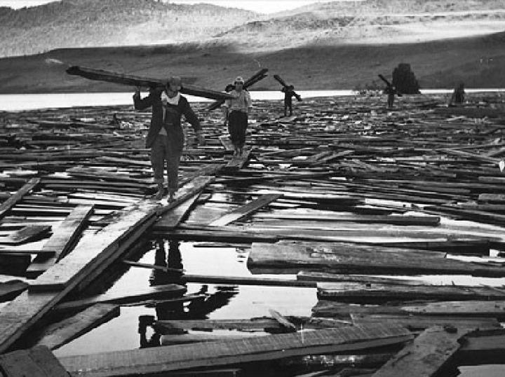 Enterreno - Fotos históricas de chile - fotos antiguas de Chile - Efectos del Riñihuaso en 1961