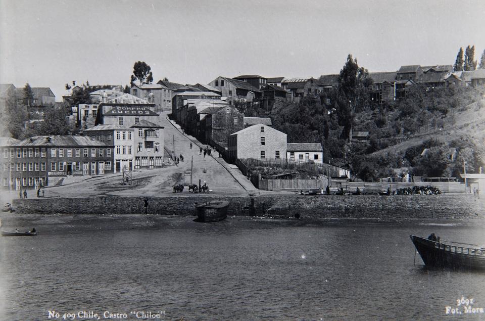 Enterreno - Fotos históricas de chile - fotos antiguas de Chile - Castro ca. 1940