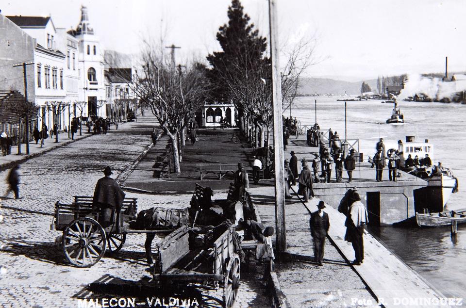 Enterreno - Fotos históricas de chile - fotos antiguas de Chile - Malecón de Valdivia ca. 1930