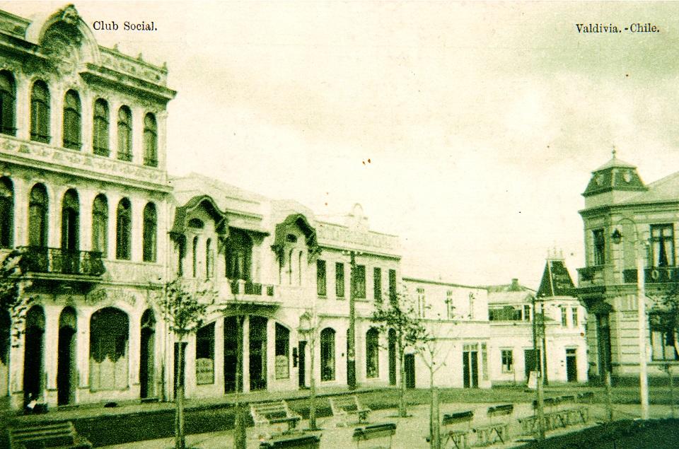 Enterreno - Fotos históricas de chile - fotos antiguas de Chile - Club Social de Valdivia en 1924