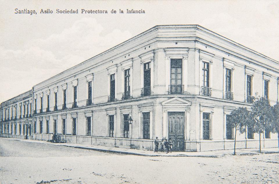 Enterreno - Fotos históricas de chile - fotos antiguas de Chile - Asilo Sociedad Protectora de la Infancia de Santiago ca. 1910