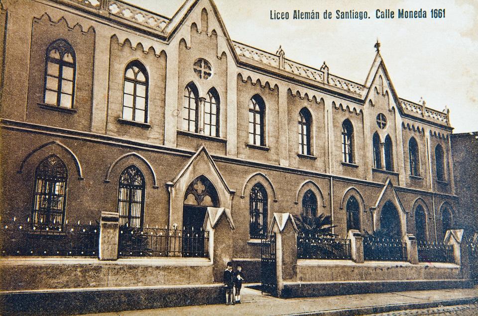 Enterreno - Fotos históricas de chile - fotos antiguas de Chile - Liceo Alemán de Santiago circa. 1930