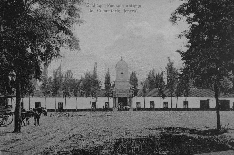 Enterreno - Fotos históricas de chile - fotos antiguas de Chile - Acceso Cementerio General de Santiago ca. 1900