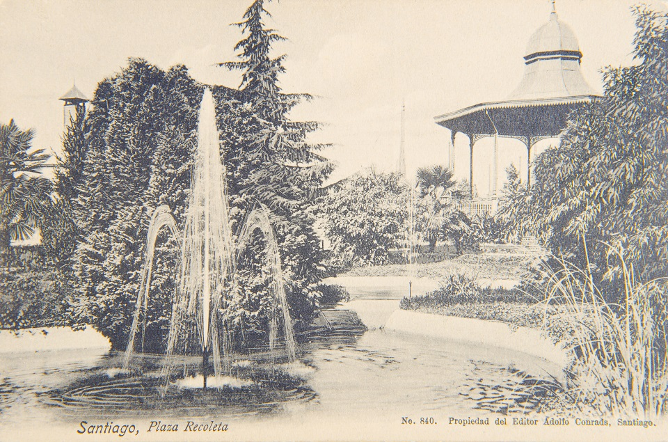 Enterreno - Fotos históricas de chile - fotos antiguas de Chile - Plaza Recoleta de Santiago circa. 1910