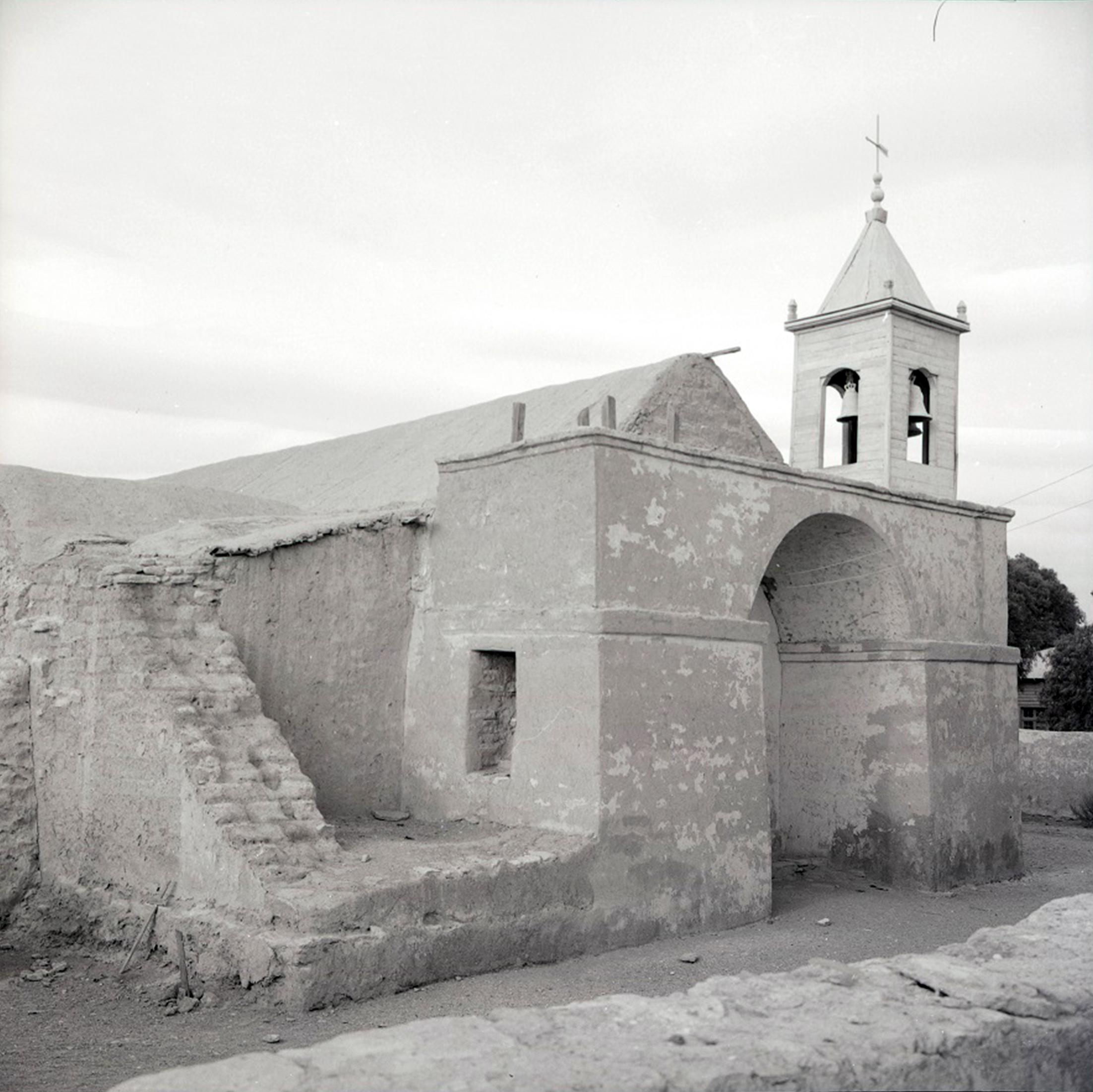 Enterreno - Fotos históricas de chile - fotos antiguas de Chile - Iglesia de San Francisco de Chiu Chiu, 1965