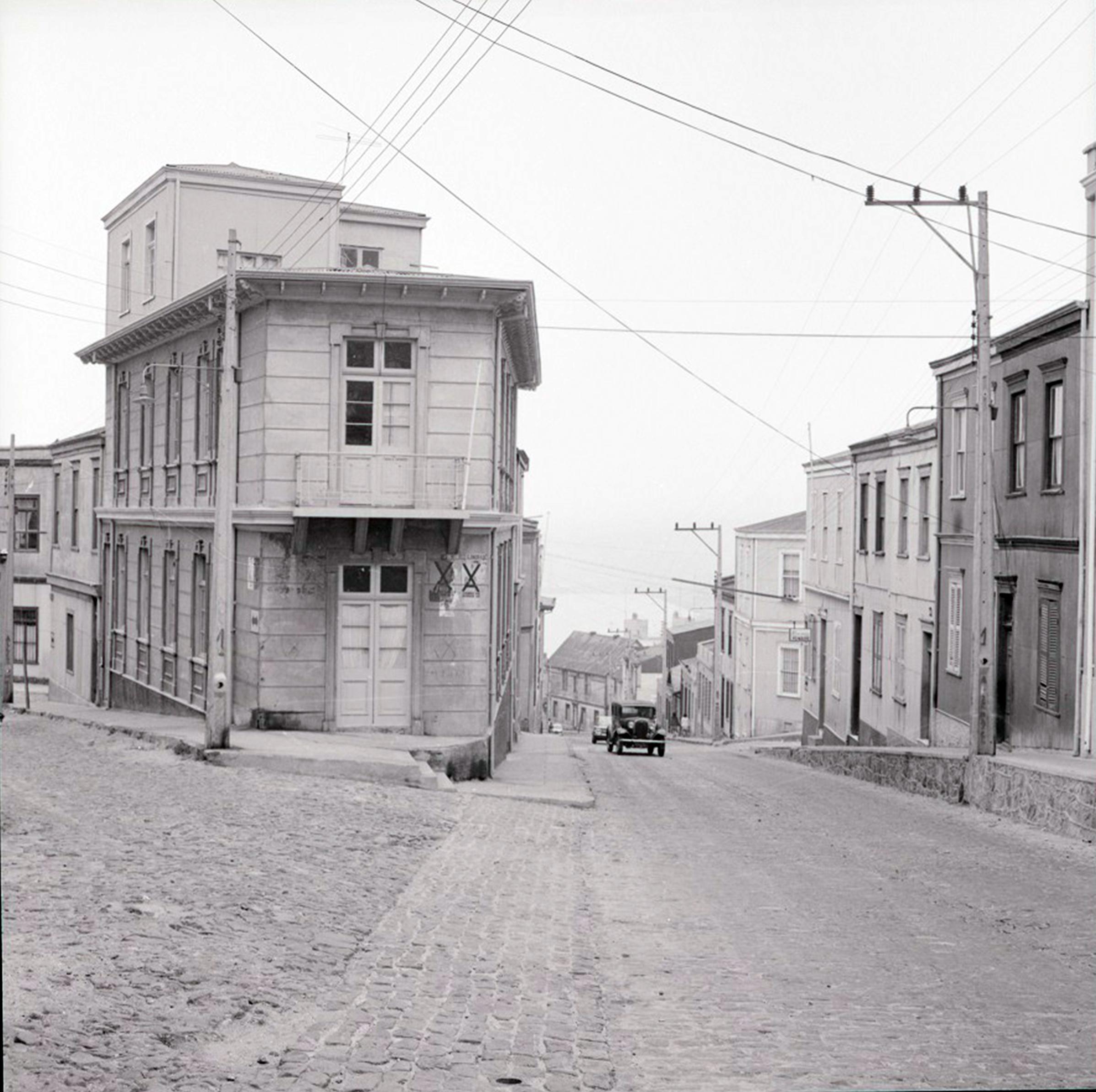 Enterreno - Fotos históricas de chile - fotos antiguas de Chile - Cerro Alegre de Valparaíso, 1969