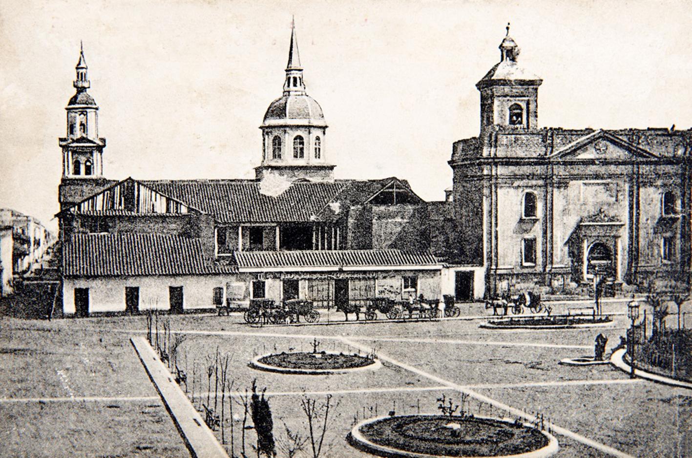 Enterreno - Fotos históricas de chile - fotos antiguas de Chile - Plaza de Armas, vista de las torres de la Compañía, 1860