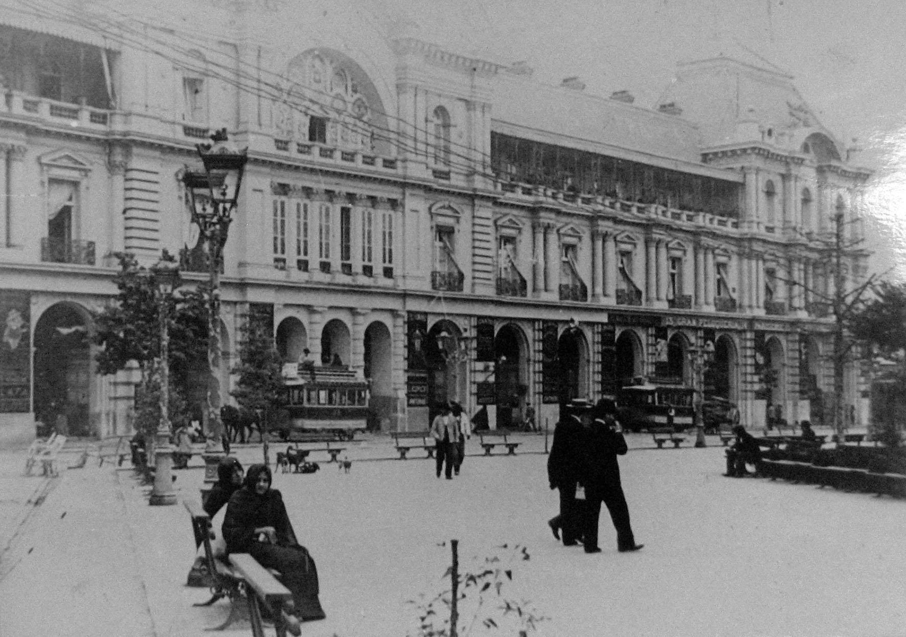 Enterreno - Fotos históricas de chile - fotos antiguas de Chile - Portal Fernández Concha en 1895