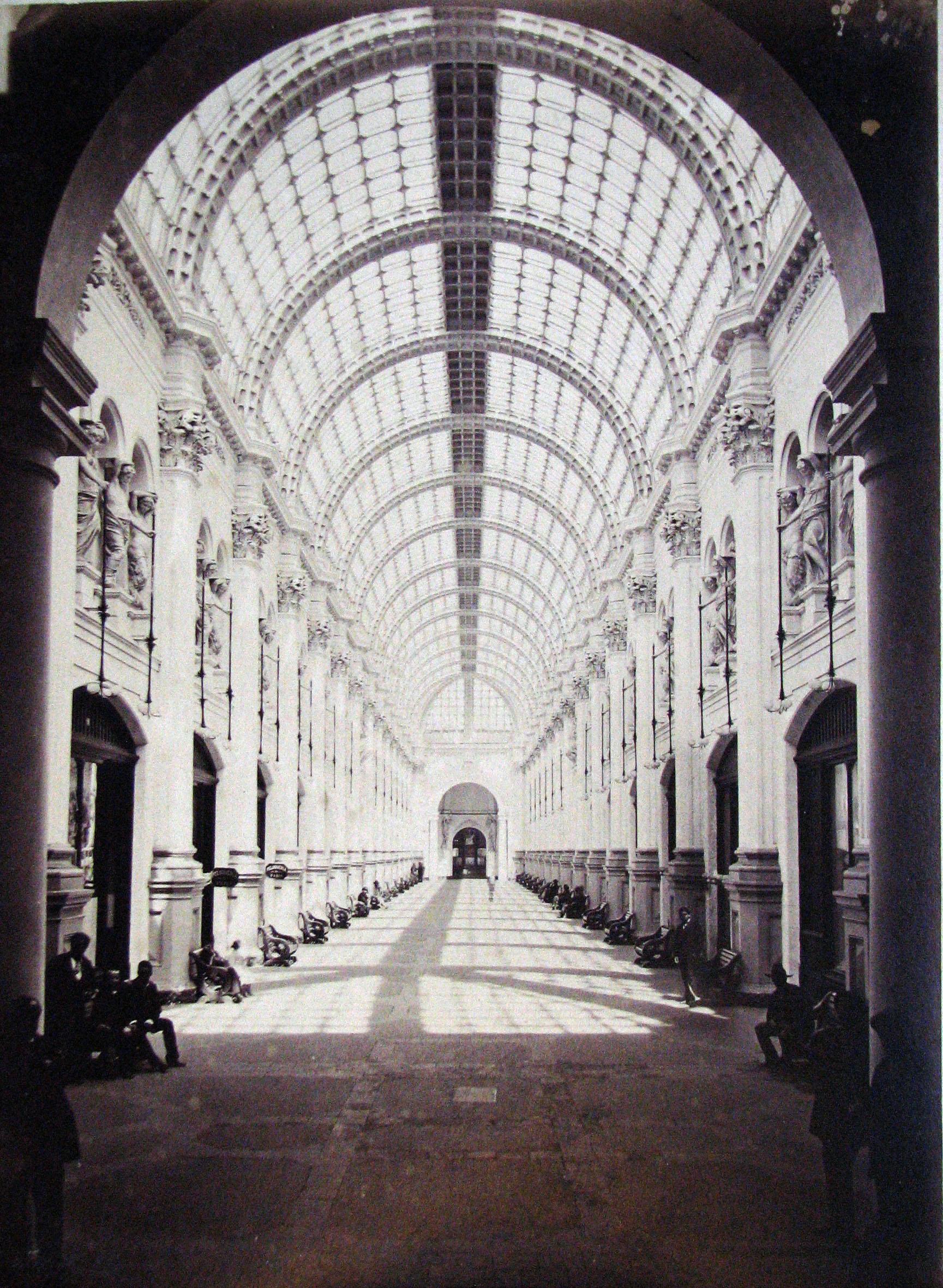 Enterreno - Fotos históricas de chile - fotos antiguas de Chile - Galería San Carlos en 1900