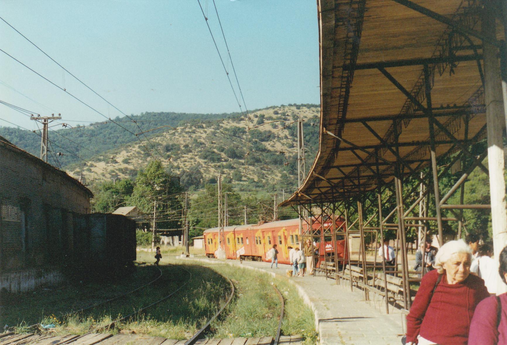 Enterreno - Fotos históricas de chile - fotos antiguas de Chile - Estación de trenes de Limache en 1994