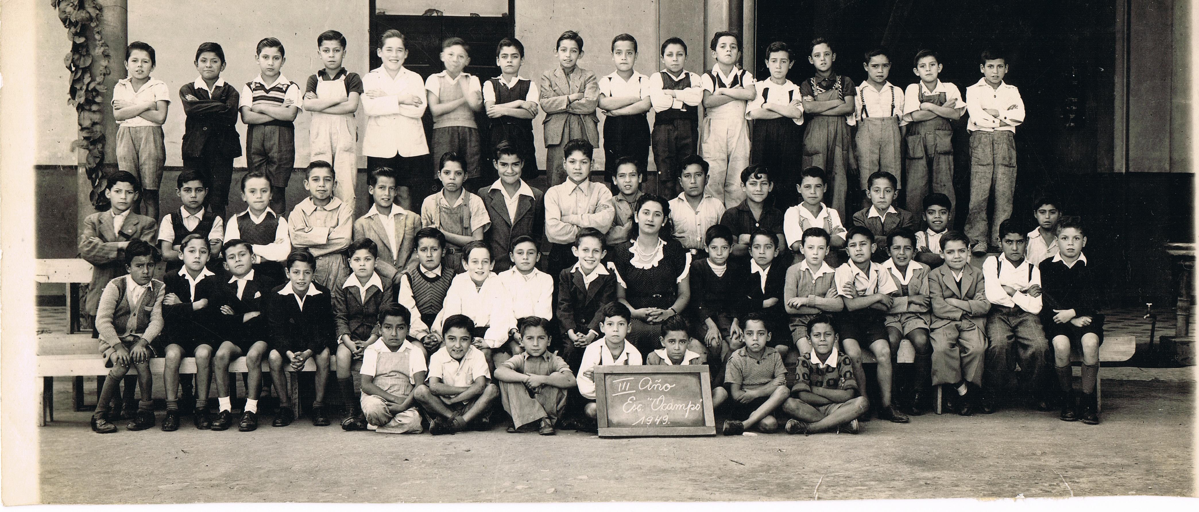 Enterreno - Fotos históricas de chile - fotos antiguas de Chile - Tercer año de la Escuela Ocampo, Santiago, 1949