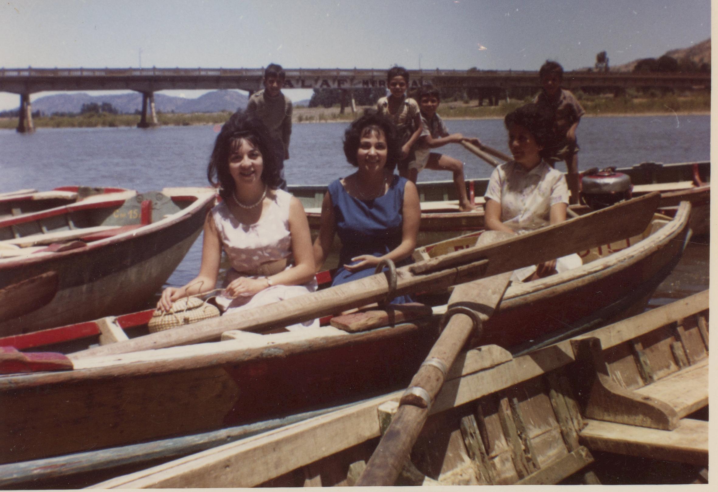 Enterreno - Fotos históricas de chile - fotos antiguas de Chile - Verano en el río Claro en los años 60