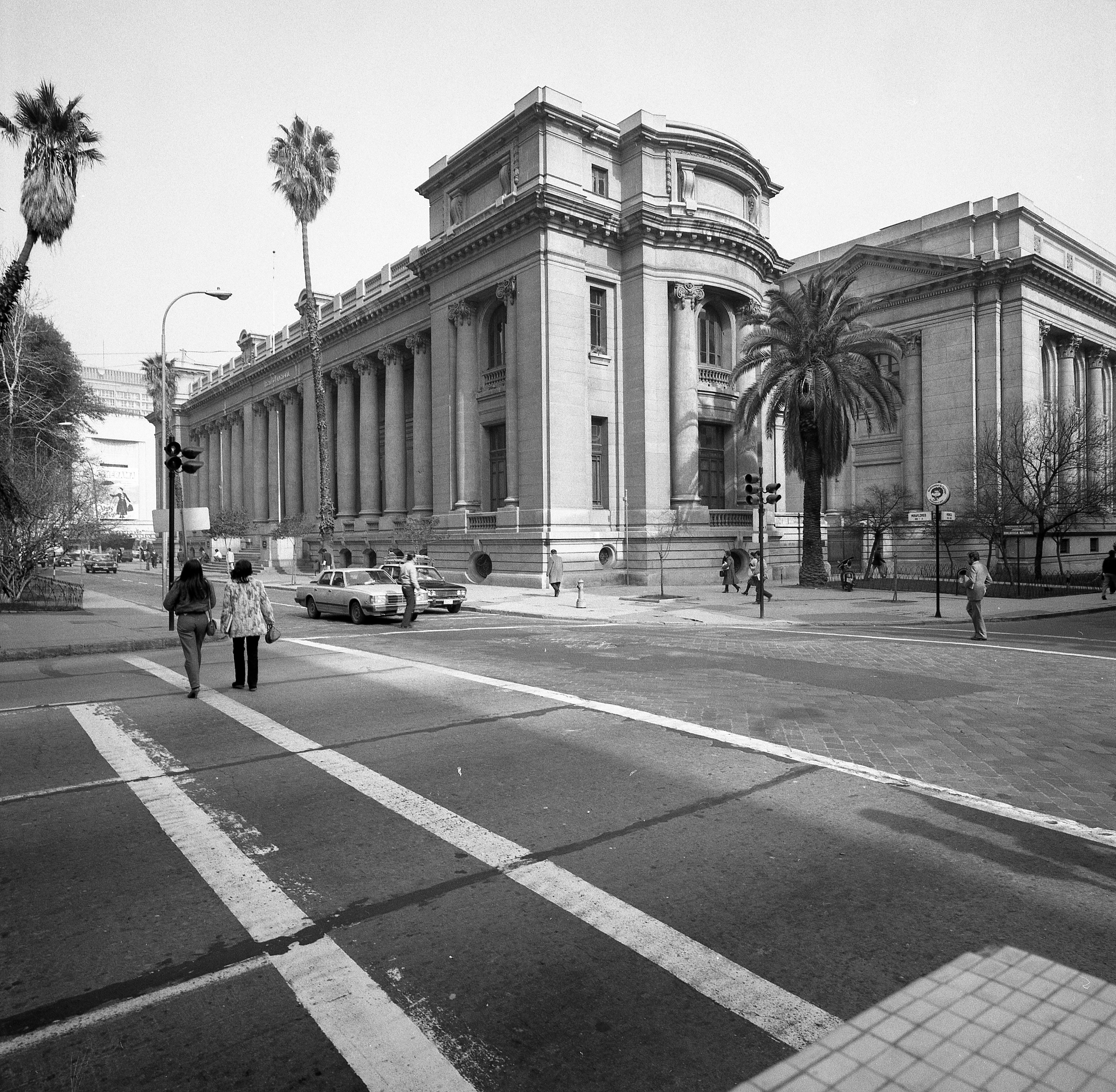 Enterreno - Fotos históricas de chile - fotos antiguas de Chile - Archivo Nacional de Chile, 1975