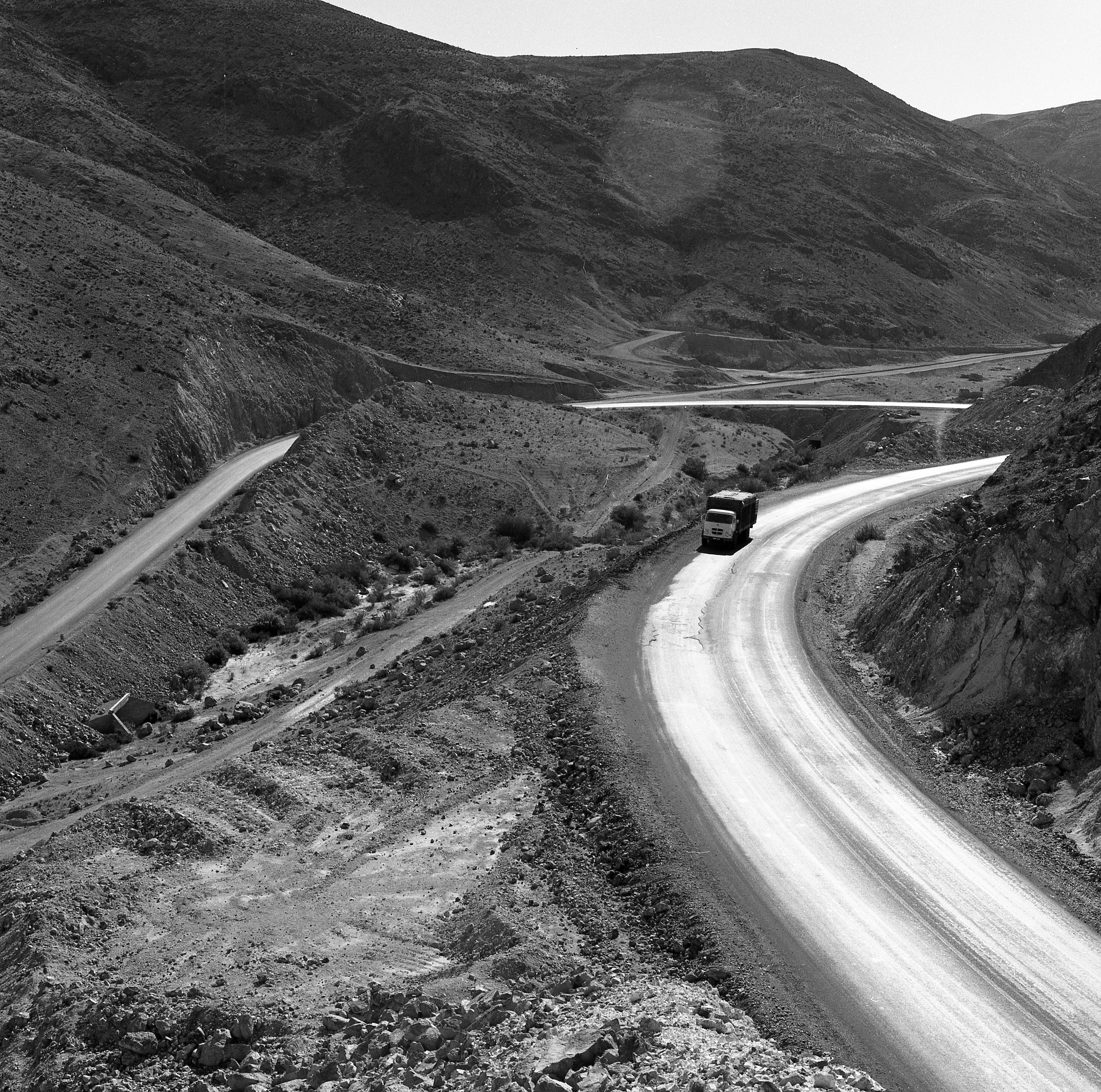 Enterreno - Fotos históricas de chile - fotos antiguas de Chile - Camino de Copiapó a Tal Tal en 1977