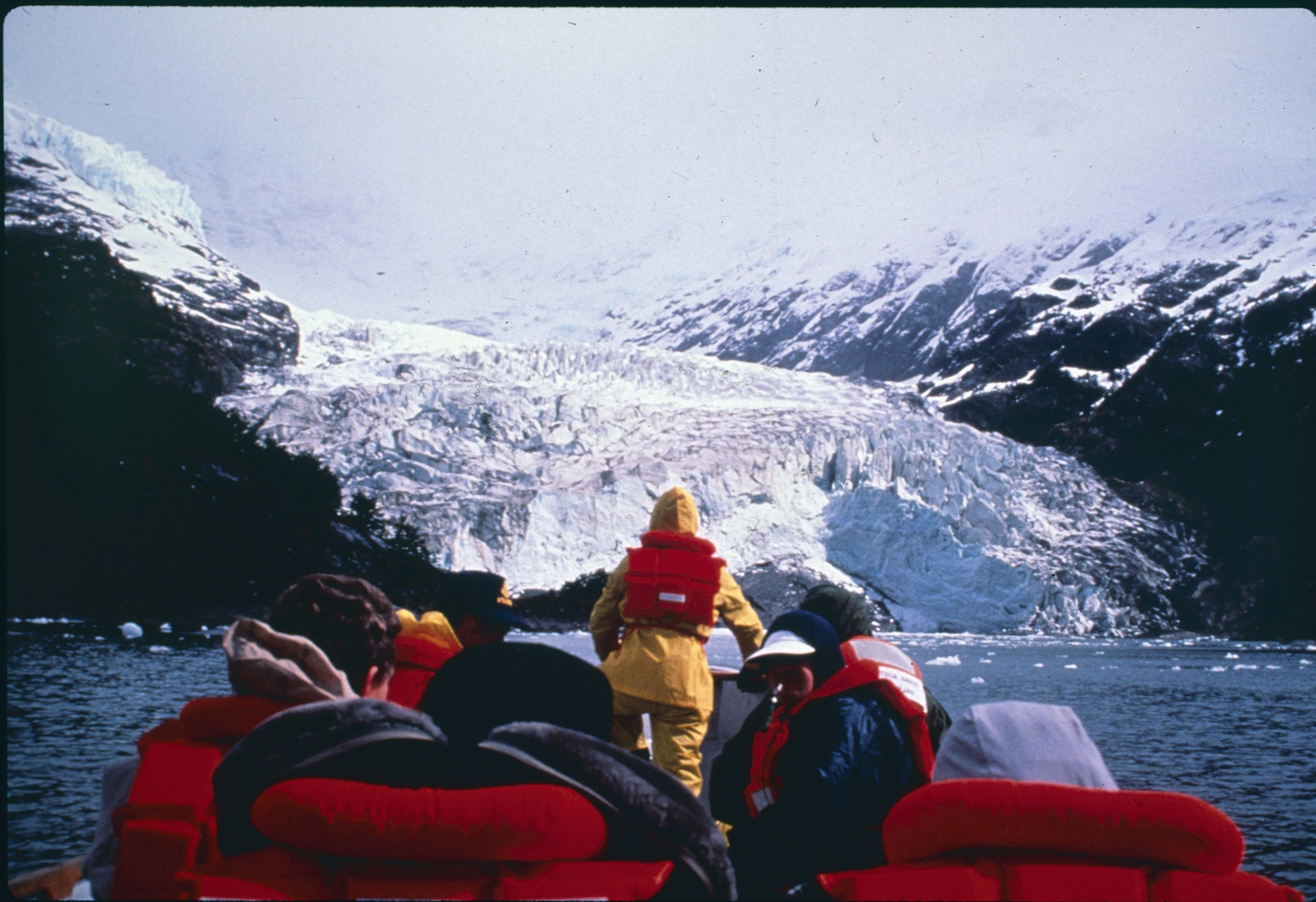 Enterreno - Fotos históricas de chile - fotos antiguas de Chile - Glaciar en los 90s