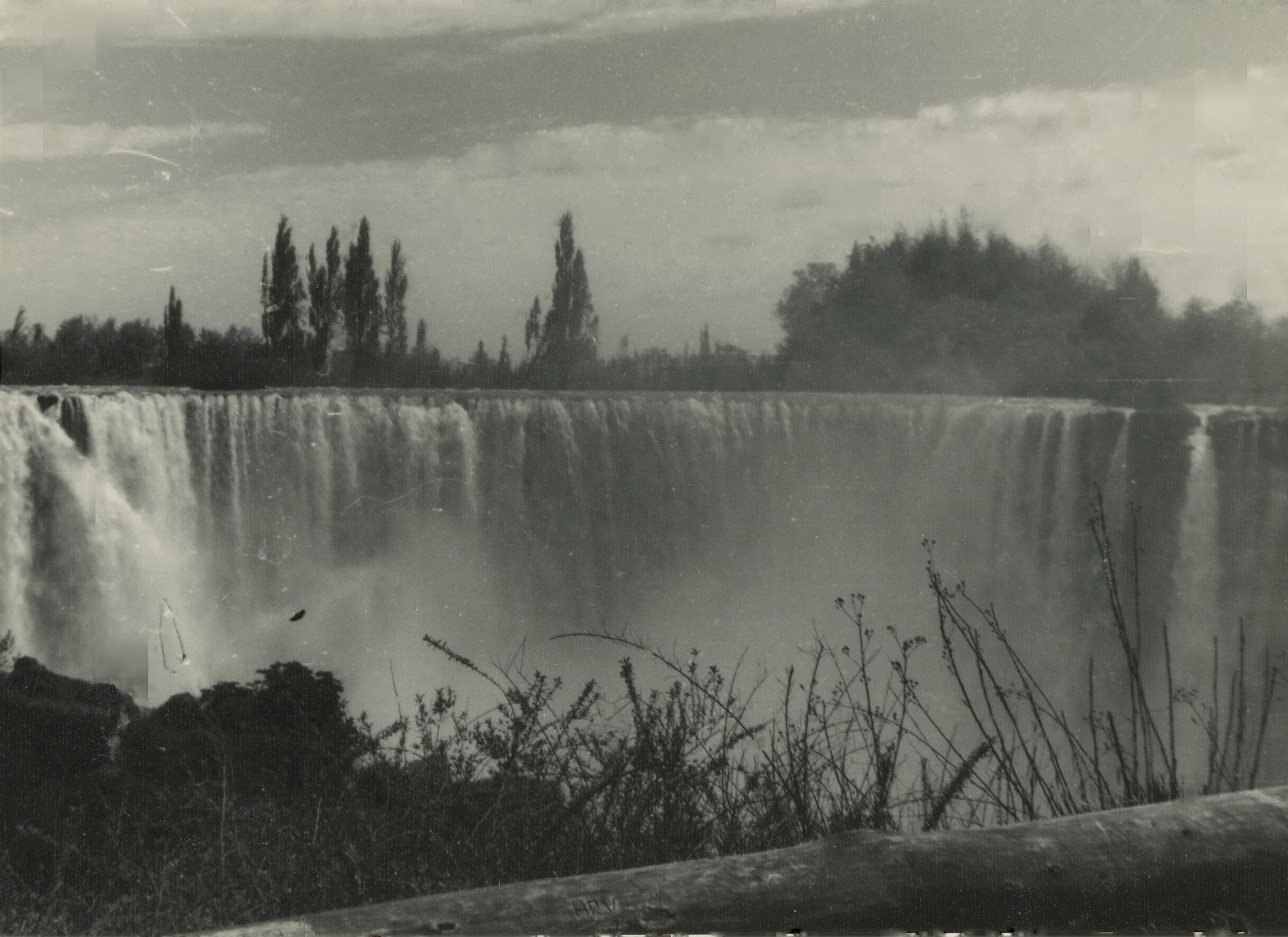 Enterreno - Fotos históricas de chile - fotos antiguas de Chile - Saltos del Laja en 1970