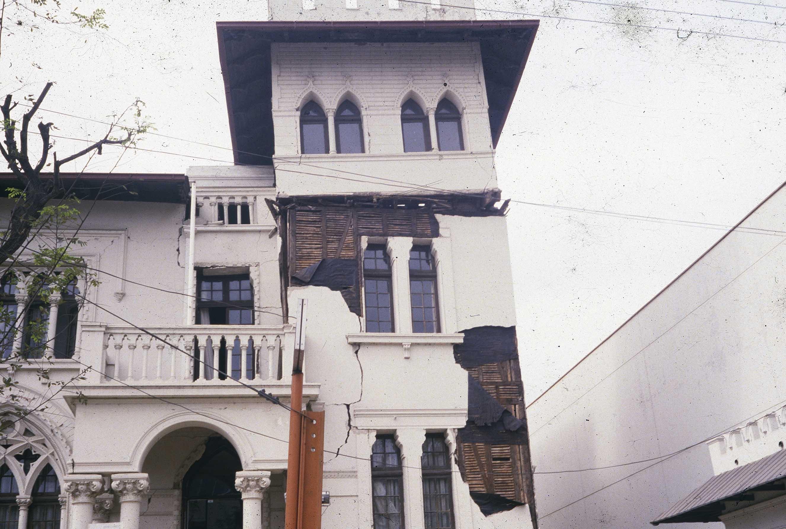 Enterreno - Fotos históricas de chile - fotos antiguas de Chile - Palacio Valle de Viña del Mar en 1985