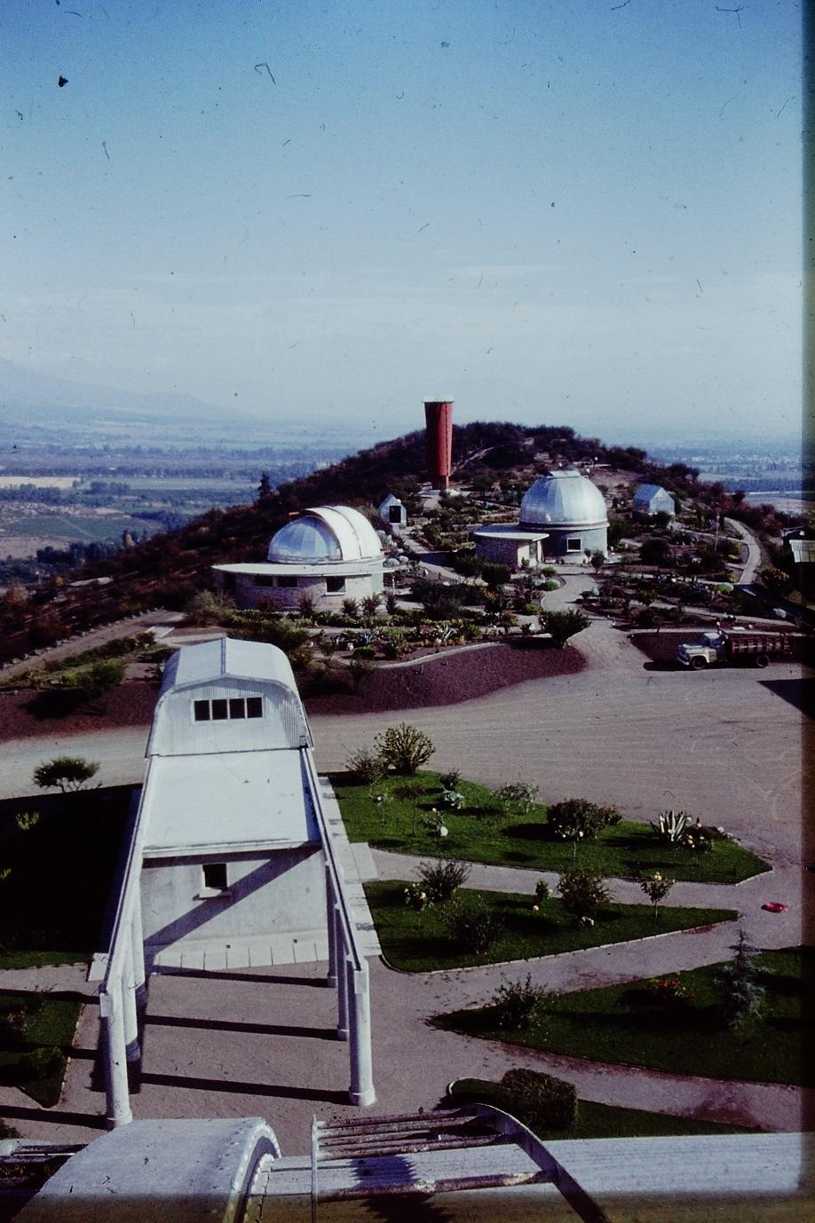 Enterreno - Fotos históricas de chile - fotos antiguas de Chile - Observatorio Cerro Calán en los 60s